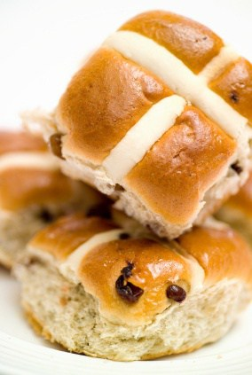 september 11 is national hot cross buns day, how to make hot cross buns, pastry recipes, breakfast
