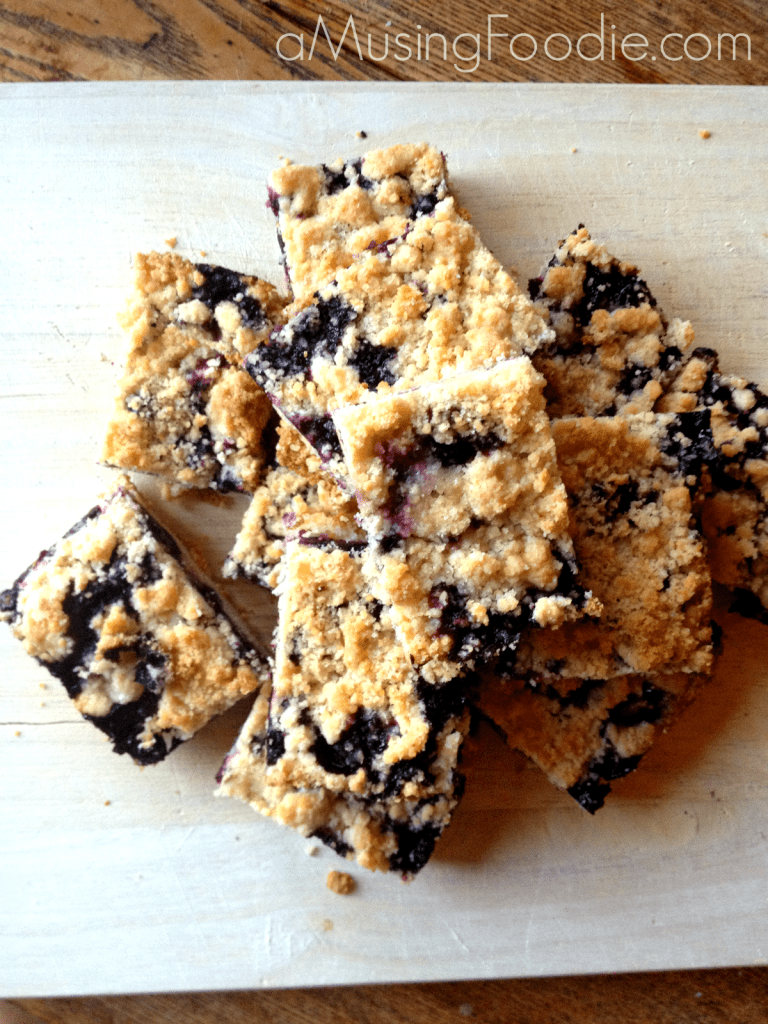 how to make blueberry crumble bars, blueberry crumble bars, blueberries